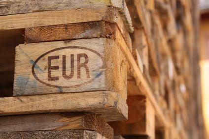 blog m bel und deko aus euro paletten selber bauen werkzeugstore24. Black Bedroom Furniture Sets. Home Design Ideas